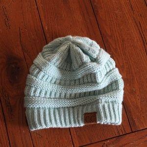 nwot C.C cozy aqua hat